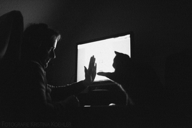 9/52. Practising high fives on a sunday evening. Fotografie Kristina Koehler